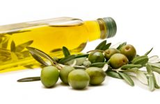 The benefits of olive oil are numerous.