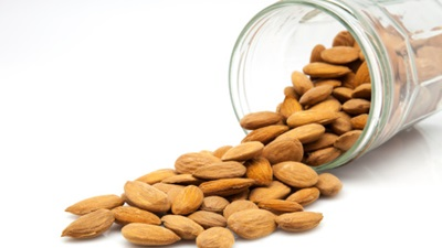 There are many benefits of eating nuts