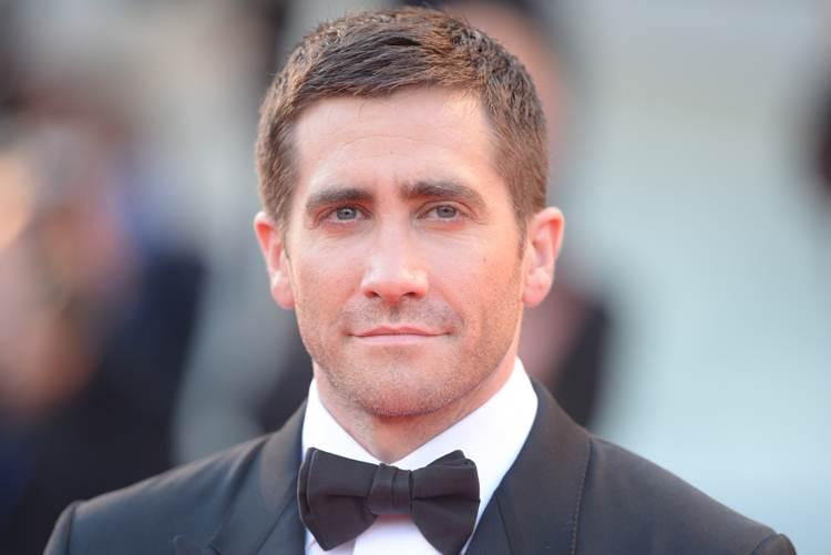 Jake Gyllenhaal: Diet, Weight, Age, Height, Body ...
