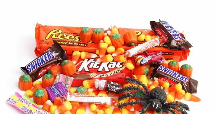 Halloween 2016 Food: Gordon Ramsay on Jimmy Kimmel Live Rates His 5 Worst Halloween Candies