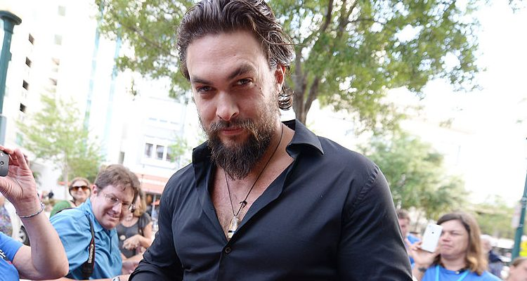 "Aquaman Jason Momoa Keeps Fit for ""Frontier"" Netflix Premiere"