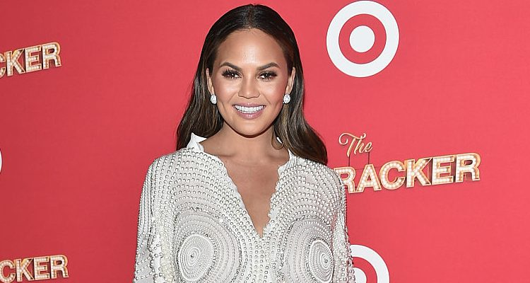 Chrissy Teigen, John Legend's Wife Puts Hourglass Figure on Display for Elle Photoshoot