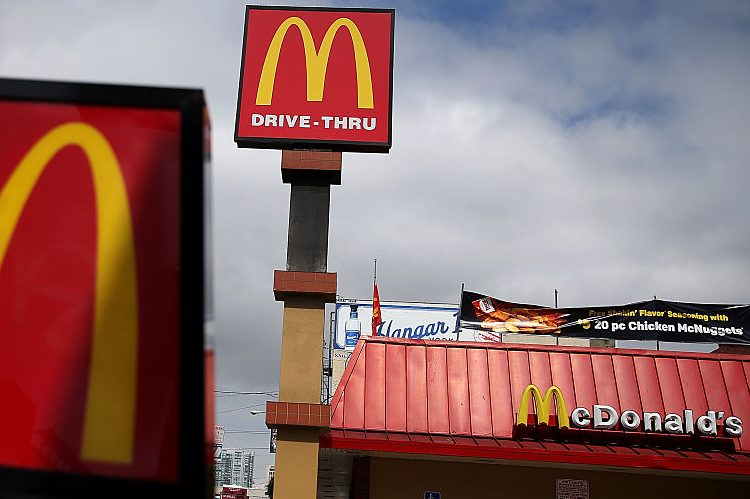 Mcdonald 39 s easter hours is it open today for Fast food places open on christmas day
