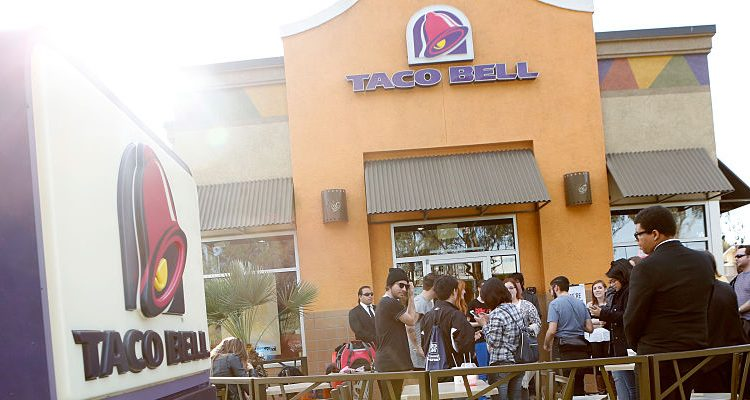 Taco Bell Hours Christmas.Taco Bell Christmas Hours Fast Food Joint S Latest Addition