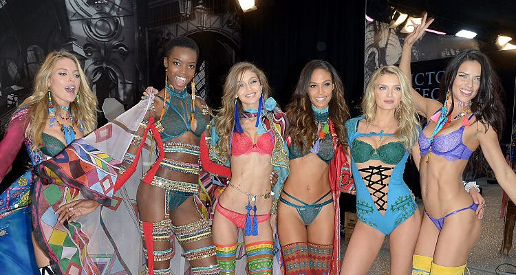 Victoria Secret Fashion Show 2016 Pics: See Super Fit Adriana Lima, Kendall Jenner, Gigi Hadid, & Other Angels