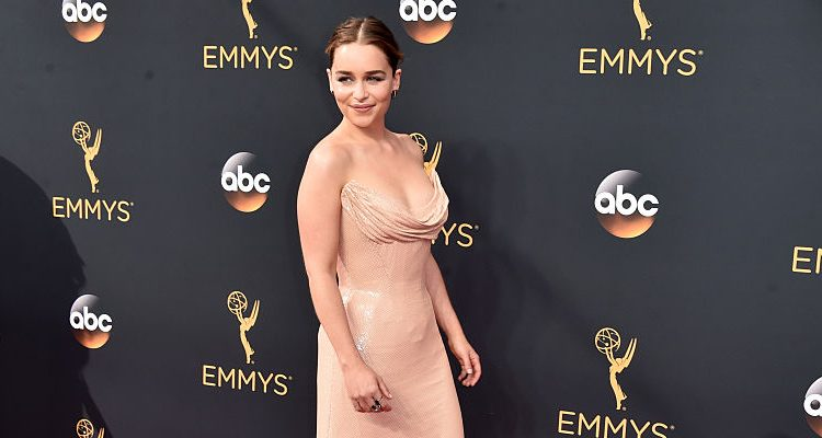 GOT's Emilia Clarke Impresses Kit Harington with Incredible Fitness