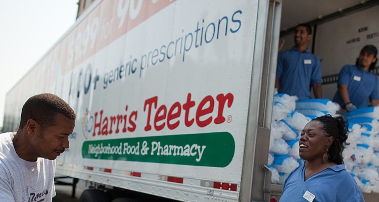 Harris Teeter Christmas Hours: Open on Christmas Eve, Closed on Christmas Day