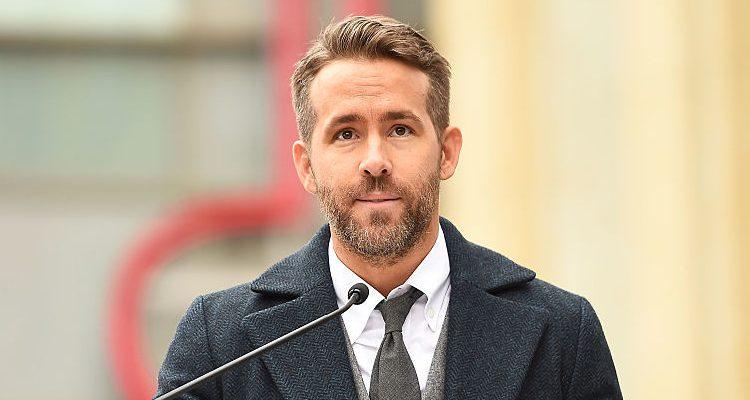 Ryan Reynolds' Green Lantern or Deadpool: Who Was the Fitter Superhero?