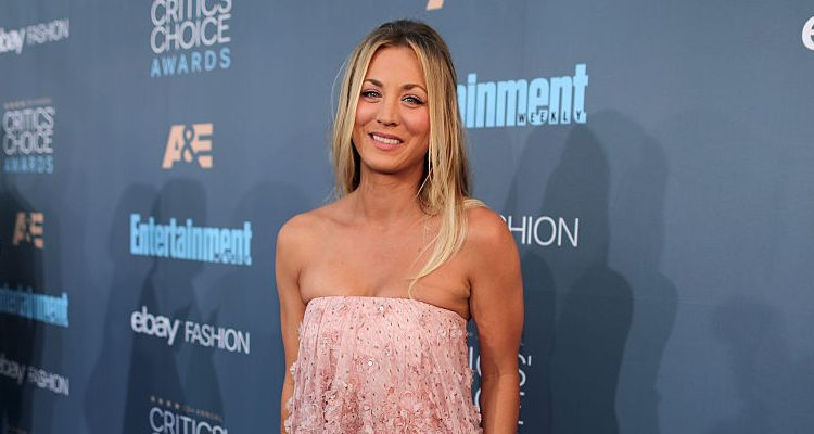 Kaley Cuoco, Justin Timberlake, Jessica Biel & Bryce Dallas Howard Rock Critics' Choice Awards Red Carpet