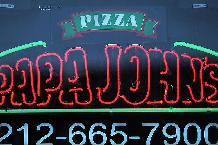 Christmas 2016: Papa John's Christmas Hours and Offers