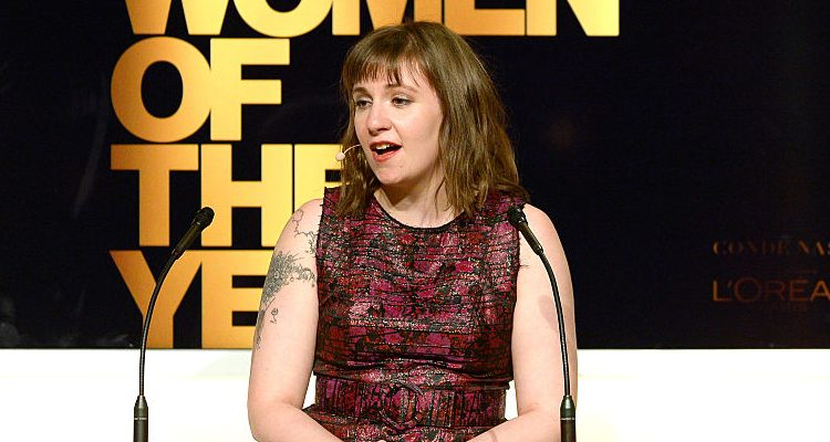 Girls Star Lena Dunham Begins her 2017 with Body Positivity