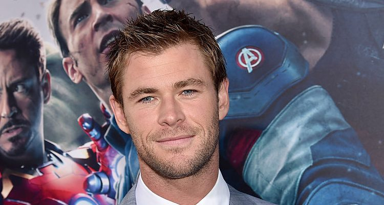 "How is Chris 'Thor' Hemsworth Working Out to Face Hulk in ""Thor: Ragnarok""?"