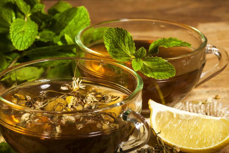 Chamomile tea with mint