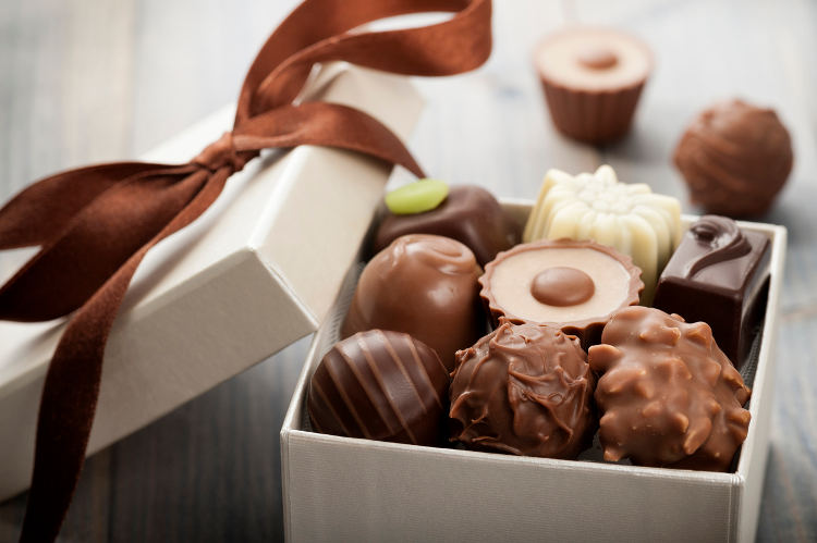 10 best valentines day chocolate gifts for her