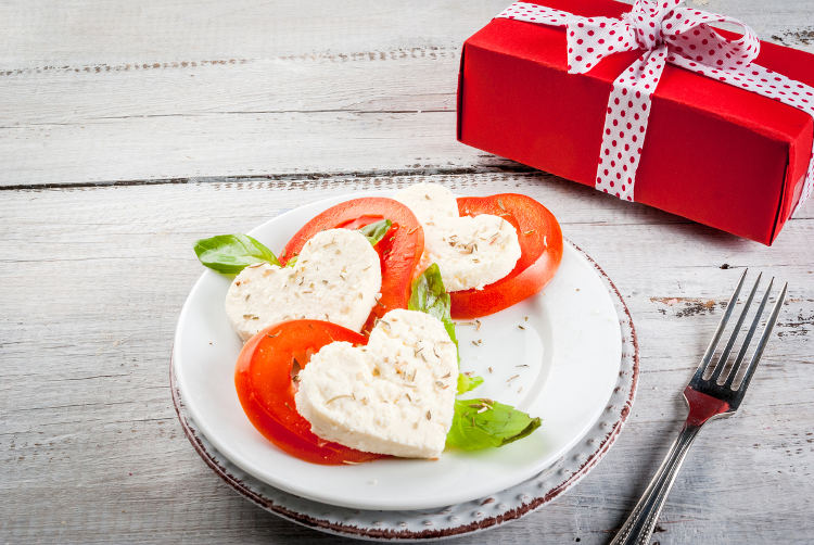 valentine's day gifts for her: surprise with delicious food gifts, Ideas