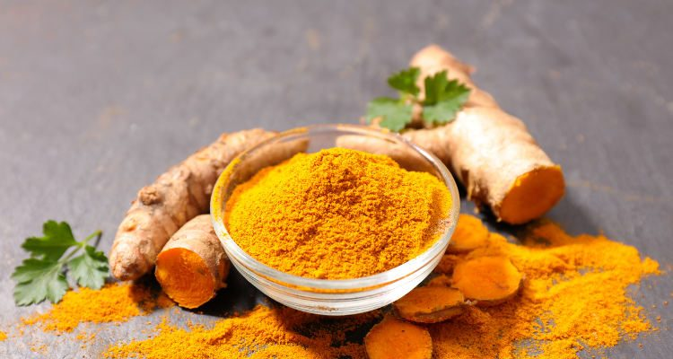 What does turmeric taste like